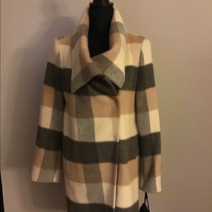 NWT KATHERINE KELLY PLAID COAT SIZE 6